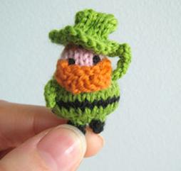 http://mochimochiland.com/2011/03/tiny-leprechaun/